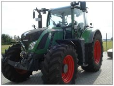As always, we are willing to bring some of the best picture from our site ... This new series come with Fendt tractors http://www.agriaffaires.co.uk/used/farm-tractor/1/4032/fendt.html
