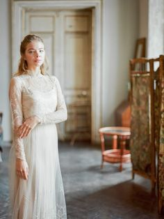 vintage bride винтажный образ невесты Girls Dresses, Flower Girl Dresses, Bride, Wedding Dresses, Fashion, Wedding Bride, Bride Gowns, Wedding Gowns, Moda