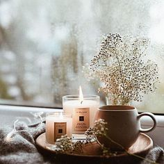 Pinkwinged hygge home inspiration Pinkwinged Cozy Aesthetic, Autumn Aesthetic, Aesthetic Outfit, Momento Cafe, Autumn Cozy, How To Make Tea, Home And Deco, My New Room, Rustic Furniture