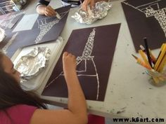 We used mat board scraps and white paint to print the Eiffel Tower. Lesson plan inspired by Cassie Stephens. Art Lessons For Kids, Art Lessons Elementary, Projects For Kids, Art For Kids, Art Projects, France For Kids, Great Fire Of London, 3rd Grade Art, Alphabet Art