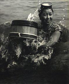 """""""Life of Ama divers"""" series by Yoshiyuki Iwase"""
