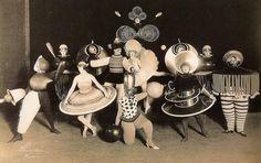Bauhaus Theatre Movement