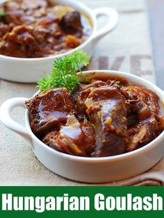 In this delicious slow cooker Hungarian goulash recipe, tender chunks of beef are simmered for hours in a rich, paprika-infused sauce. Slow Cooker Recipes, Meat Recipes, Crockpot Recipes, Cooking Recipes, Crockpot Goulash Recipe, Beef Goulash, Healthy Food Blogs, Healthy Recipes, Beef Recipes