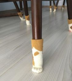 Pawlease Don't Scratch the Floor Cat Paw Chair Socks - Tap the link now to see all of our cool cat collections! Chair Socks, Diy Home Decor, Room Decor, Cat Cafe, Home And Deco, My Room, Diy And Crafts, Sweet Home, Diy Projects