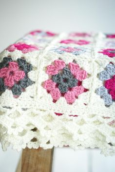 A granny square blanket that I actually like!