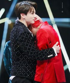 *holds TaeTae who is crying while he, himself is crying* they are crying into each other Jungkook V, V Taehyung, Namjoon, Taekook, Yoonmin, Boy Band, Idol, Kpop Couples, Bts Photo