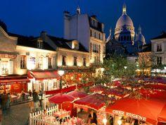 Paris sidewalk cafes near Sacre Coeur