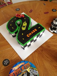 Hot Wheels race car cake