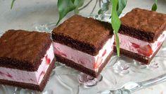 Jogurtová nádivka a kakaové těsto. Dovnitř přidáme celé čerstvé jahody. Mňamka!