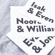 Alt er love! Nu finns Isak & Even, Noora & William, Eva & Jonas på wrinspo.se ⠀ ⠀ wrinspo.se //⠀⠀ etsy /⠀