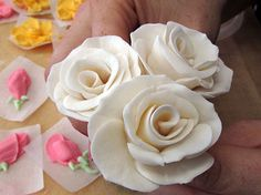 How to make gumpaste roses.