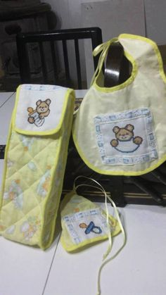 Newborn set made by @giuseppinalanzo *** Le Maddine & Maddy https://www.facebook.com/groups/531953423561246/ *** #madeinfacebook #lemaddine #handmade #handcrafted #instagram #instapic #instagood #picoftheday #instacool #handmade #cool #cute #embroidery #sewing #crossstitch #newborn #baby #yellow #blue #white #bib #feedingbottle #pacifier #child #childhood #itsaboy #itsagirl #giuseppinalanzocreazioni