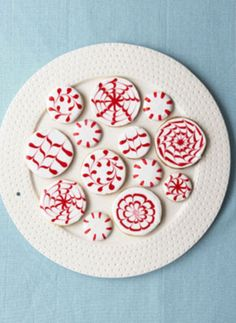Red icing cookies designs