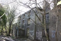 Phots of derelict mansions & great houses in Wales via @RCAHMWales #architecture