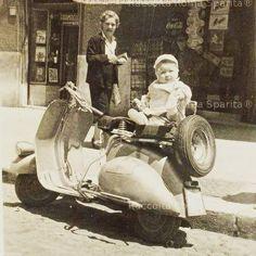 Using Vintage Car Clip Art to Design Almost Anything - Popular Vintage Antique Photos, Vintage Photographs, Vintage Photos, Foto Vintage, Old Pictures, Old Photos, Rome, Vespa Lambretta, Vespa Scooters