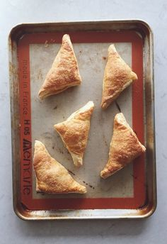 Easy Apple Turnovers | mountainmamacooks.com