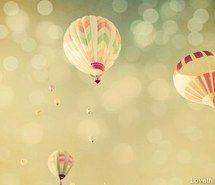 Beautiful balloons flying!