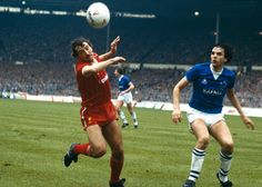 Liverpool 1 Everton 0 aet in March 1984 at Wembley. Alan Kennedy and Graeme Sharp in action in the League Cup Final. Liverpool Players, Liverpool Football Club, Liverpool Fc, Football Team, Nicolas Anelka, Liverpool Images, Merseyside Derby, Bristol Rovers, Fernando Torres
