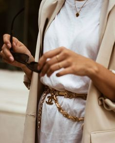 Chanel via Style Appetite Older Women Fashion, Womens Fashion, Fashion Trends, Fashion Ideas, White Camellia, Estilo Fashion, Fashion Edgy, Fashion Top, Fashion Shoes
