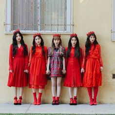 "5,444 Likes, 24 Comments - WENDY (웬디) (@wendybae94) on Instagram: ""[171115] Red Velvet ""Perfect Velvet"" 'Peek-a-boo' Teaser Photo • • • • • They look like dolls…"""