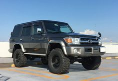 Toyota Lc, Toyota Trucks, Carros Toyota, Toyota Land Cruiser 100, Land Cruiser 70 Series, Armored Truck, 4x4 Off Road, Old School Cars, Jeep 4x4
