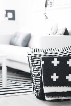 Via NordicDays.nl | Pia Wallén Cross Blanket | Noe Blog