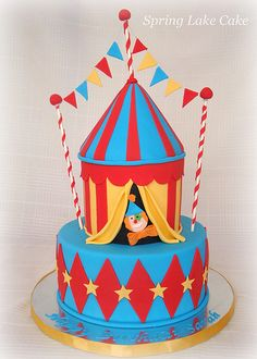 Circus Cake-- love it.. minus the clown would need to be a elephant or some other animal