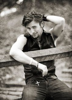 Jackson Rathbone. Sweetest man I have ever had the pleasure of meeting. And so sexy!