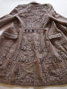 omⒶ KOPPA: Kaunokirjoitettu takki Remake Clothes, Diy Clothes, Altered Couture, Classic Wardrobe, Fashion Project, Sweater Knitting Patterns, Linen Dresses, Textiles, Piece Of Clothing