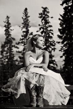 Beautiful, Outdoor Bridal Portraits