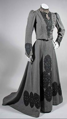 early 1900 wool and tape lace dress - Courtesy  of pastperfectvintage.com