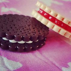 Biscuits hama beads by kimmibows, zo kun je ook bv engels drop maken. Diy Perler Beads, Perler Bead Art, Pearler Beads, Fuse Bead Patterns, Perler Patterns, Beading Patterns, Hama Pokemon, Hama Beads Design, Iron Beads