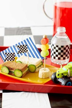 28 Ideas Cars Birthday Party Snacks For Kids Hot Wheels Birthday, Race Car Birthday, Race Car Party, 2nd Birthday, Festa Hot Wheels, Hot Wheels Party, Birthday Party Snacks, Cars Birthday Parties, Ferrari Party