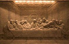 The Last Supper (Leonardo da Vinci) - recreated n Wieliczka Salt Mine in Poland Salt Mining, Wieliczka Salt Mine, Salt Art, Medieval World, Medieval Times, Underground Cities, Krakow Poland, Last Supper, Bible Art