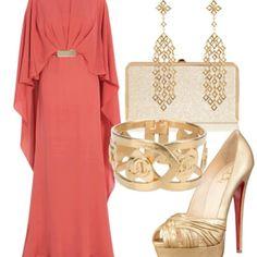 Peach kaftan with gold accessories