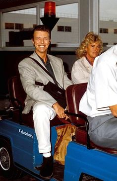 david bowie, London Heathrow Airport, photo by Dave Parker, 1993