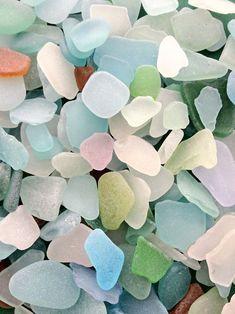 morceaux de verre polis par la mer