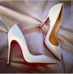 Christian Louboutin Fashion high heels, fashion girls shoes and men shoes all here for you with the cheapest price #chrisitan #louboutin #cheapest