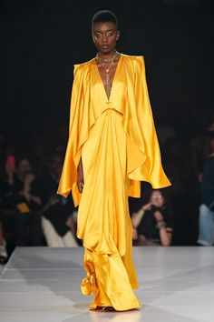 Pyer Moss Spring 2020 Ready-to-Wear Collection - Vogue Source by adove fashion week Fashion Week, Fashion 2020, New York Fashion, Runway Fashion, High Fashion, Fashion Tips, Fashion Design, Fashion Trends, 2000s Fashion