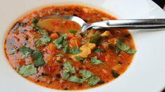 Varmende karrisuppe - legg til selleri og gulrot +++ Soup Recipes, Great Recipes, Dinner Recipes, Favorite Recipes, Healthy Recipes, Hagen, Curry Soup, Different Recipes, Food Inspiration