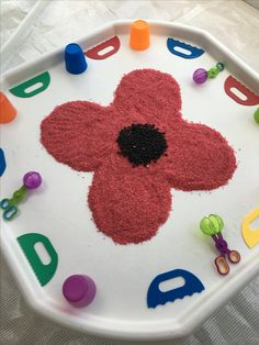 Tuff spot, coloured red rice , black beans . Poppy craft , messy play , sensory play , Remembrance Day . Poppy Activities For Toddlers, Autumn Activities For Kids, Games For Toddlers, Eyfs Activities, Nursery Activities, Infant Activities, Remembrance Day Activities, Remembrance Day Poppy, Baby Crafts