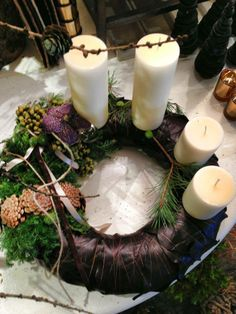 Juledekoration eller adventskrans fra https://www.facebook.com/florise.dk