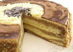 Pastel de mascarpone - MisThermorecetas.com Just Cakes, Cakes And More, Bakery Recipes, Dessert Recipes, Delicious Desserts, Yummy Food, Thermomix Desserts, Cream Cake, Fondant Cakes
