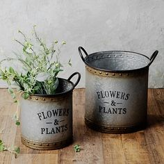 These Galvanized Metal Garden Bucket Planters are rustic complements to any floral arrangement. You'll love the vintage look of its tarnished details. Primitive Bedroom, Primitive Homes, Primitive Antiques, Primitive Country, Galvanized Buckets, Galvanized Metal, Tin Can Crafts, Candy Jars, Paint Cans