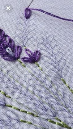 Hand Embroidery Stitches Cross Stitch Embroidery Embroidery Patterns Wool Applique Margaritas Sewing Techniques Needle And Thread Cross Stitching Needlepoint Hand Embroidery Videos, Embroidery Stitches Tutorial, Embroidery Flowers Pattern, Simple Embroidery, Silk Ribbon Embroidery, Embroidery Hoop Art, Hand Embroidery Designs, Embroidery Techniques, Cross Stitch Embroidery