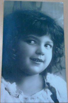 altes S/W Foto Kabinettfoto Postkarte mit Mädchen, Weltpostverein Serie 208/1
