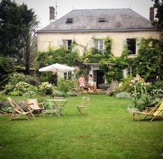 ♥ French country living Source by French Cottage, French Country House, French Farmhouse, Country Living, Shabby Cottage, Cottage Chic, French Country Chairs, Architecture, My Dream Home