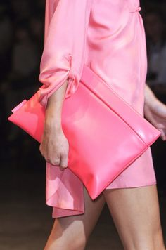 Cacharel S/S 2011 Runway Details Pink Love, Pretty In Pink, Pink Purple, Pink And Green, Pink Clutch, Clutch Bag, Neon Clutch, Envelope Clutch, Shoes