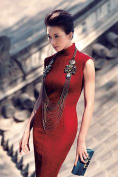 (5) Womens Dress in Red Lurex Wool Blend