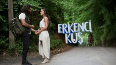 Urmareste serialul turcesc Pasarea matinala Episodul 42 online subtitrat. Producţia cu accente comice va prezenta povestea de dragoste dintre Can şi Sanem. Sanem este o tânără ambiţioasă care se angajează la o agentie de publicitate. Directorul agenţiei, Aziz, are doi băieţi cu personalităţi diferite, Horror, Drama, Romantic, Movies, Romantic Things, Dramas, Drama Theater, Romance Movies, Romances